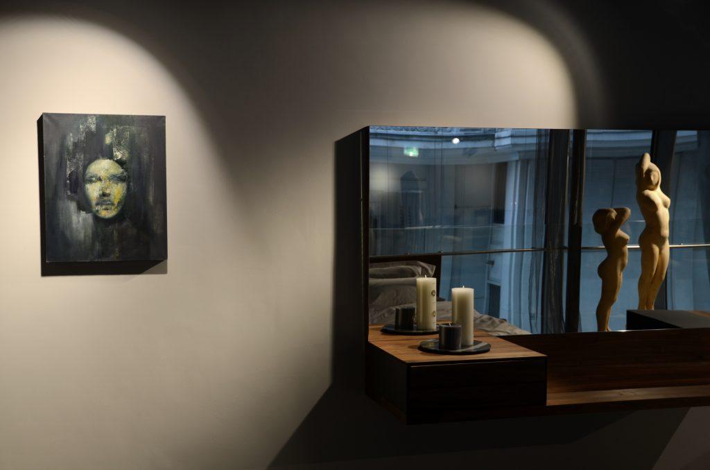 showroom Aksonometria w Warszawie. prezentacja obrazu Weroniki Pawłowskiej